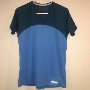 Patagonia quick dry tee.